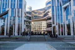 Moderne gebouwen in Dusseldorf, Duitsland Architectuurdetails van Stock Afbeeldingen