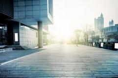 Moderne gebouwen en grond Royalty-vrije Stock Fotografie