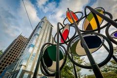 Moderne gebouwen en kunstinstallatie in Charlotte, het Noorden Caroli Royalty-vrije Stock Foto
