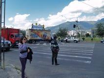 Moderne gebouwen, mensen, auto's op de straten van hoofdcit Stock Afbeeldingen