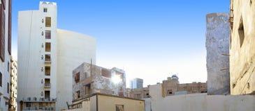 Moderne gebouwen met oude gebouwen Royalty-vrije Stock Afbeelding