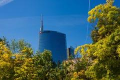 Moderne gebouwen in Milaan Stock Afbeeldingen