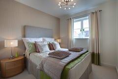Moderne geklede slaapkamer Royalty-vrije Stock Fotografie