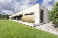 Moderne geometrische villa Royalty-vrije Stock Afbeelding