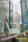 Moderne glasarchitectuur van Canary Wharf-bedrijfsaria, en beambten Stock Foto's