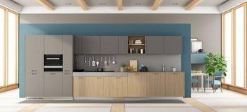 Moderne grijze en houten keuken Stock Foto's