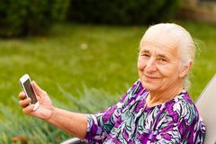 Moderne Großmutter Lizenzfreies Stockfoto