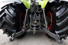 Moderne groene tractor. Royalty-vrije Stock Afbeeldingen