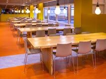 Moderne het dineren zaal Stock Afbeeldingen