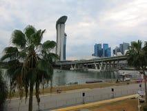 Moderne high-rise gebouwen Architectuur en kunst in moderne beschaving stock afbeeldingen