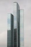 Moderne Highrisebüros oder -eigentumswohnungen Stockfotografie