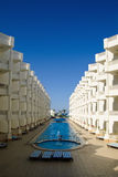 Moderne Hotelarchitektur Lizenzfreies Stockbild