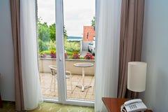 Moderne Hotelterrasse Lizenzfreie Stockfotos
