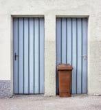 Moderne huisvuilbak Royalty-vrije Stock Fotografie