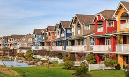 Moderne huizen royalty-vrije stock afbeeldingen