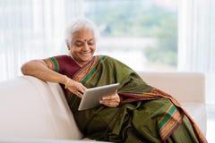 Moderne Indische vrouw stock afbeeldingen