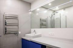 moderne intérieur de salle de bains Photo stock