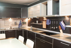 Moderne Küche lizenzfreie stockfotos