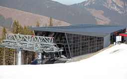 Moderne kabelbaan FUNITEL - Lage Tatras, Slowakije Stock Foto's