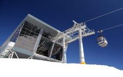 Moderne kabelbaan in Lage Tatras, Slowakije Stock Foto's