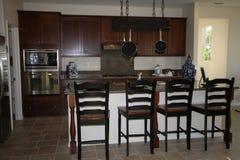 Moderne keuken met eiland Royalty-vrije Stock Afbeelding