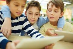 Moderne Kinder Lizenzfreie Stockfotos