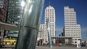 Moderne Kunst und Architektur von Potsdamer Platz stock video