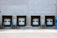 Moderne Lagertüren Stockfoto