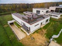 Moderne Landhäuser im Bau Stockfotografie