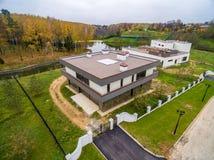 Moderne Landhäuser im Bau Stockbild
