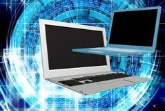 moderne laptop die op witte achtergrond wordt geïsoleerdd Stock Afbeeldingen