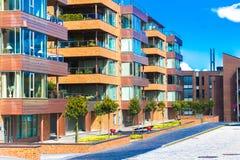 Moderne lebende Häuser der typischen skandinavischen Art Stockfoto