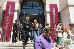 Moderne Leute an Milan Men-` s arbeiten Woche um Lizenzfreies Stockfoto