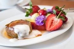 Moderne lokale Küche, Kap-Region, Südafrika Heiße und kalte Frühstücksfrucht Lizenzfreies Stockbild