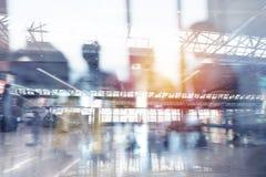 Moderne luchthaven met onduidelijk beeldgevolgen Dubbele blootstelling royalty-vrije stock afbeeldingen
