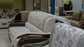 Moderne Möbel für Haus im Speicher stock video