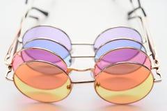 Moderne modieuze zonnebril Stock Foto
