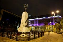 Moderne noordelijke eurorpean stad bij nacht royalty-vrije stock afbeelding