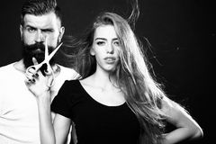 Moderne Paare mit Scheren Stockfoto