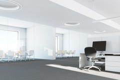 Moderne panoramische bureau binnenlandse dichte omhooggaand Stock Afbeelding
