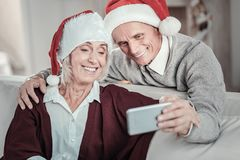 Moderne Pensionäre, die selfie Foto tun Lizenzfreie Stockbilder