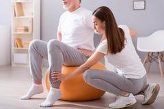 Moderne rehabilitatiefysiotherapie royalty-vrije stock afbeelding