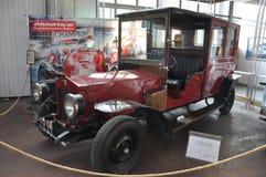 Moderne restauratie van een auto russo-Balt Stock Afbeelding