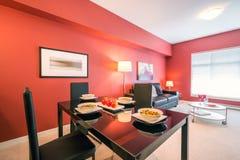 Moderne rode keuken Royalty-vrije Stock Foto's