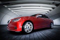 Moderne rode metaalsedanauto in het stedelijke plaatsen - tunnel Generisch brandless ontwerp, royalty-vrije illustratie