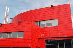 Moderne rote Architektur Lizenzfreies Stockfoto