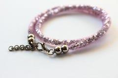 Moderne roze armband royalty-vrije stock afbeelding