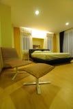 Moderne Ruime Slaapkamer royalty-vrije stock afbeeldingen