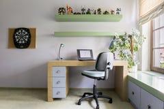Moderne ruimte voor tiener stock afbeeldingen