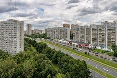 Moderne Russische Spoorwegenposten en passagierstreinen Royalty-vrije Stock Afbeelding